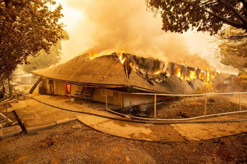 fire-FRHospitalBurning