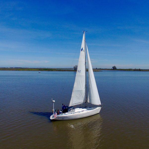 "sail vessel ""Élan"""